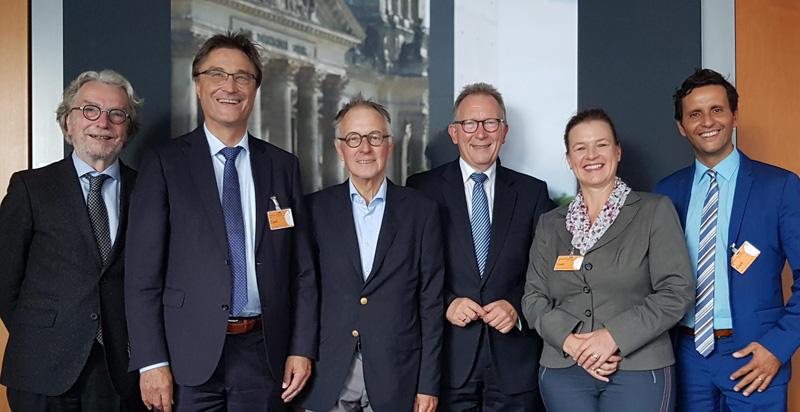 Klaus H. Kober moderiert gesundheitspolitischen Roundtable